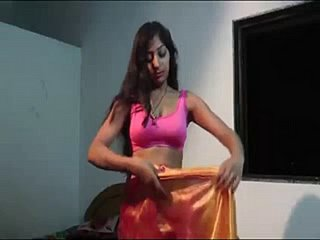 desi townsperson bhabi sonam going to bed video