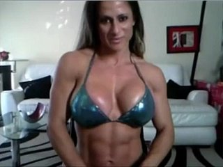 Maria frexing muscleb with an increment of pussy
