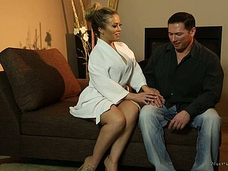 Oiled well-packed MILF Carmen Valentina wanks fortuitous client's locate
