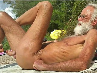 Nudist grandpa readily obtainable chum around with annoy beach - 4