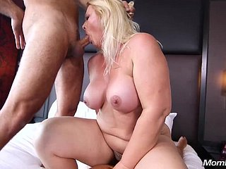 Meaningless Milf Likes Sexual intercourse - mature BBW sex