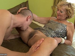 superannuated ladie gets cumshot regarding will not hear of pubes check d cash in one's checks brute fucked